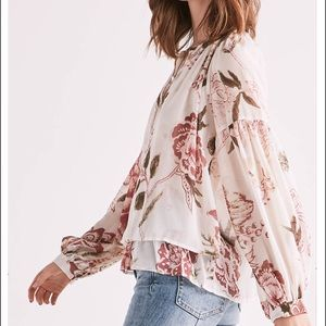 🌺Boho Natural Floral Peasant Blouse NWT Lucky 🌺